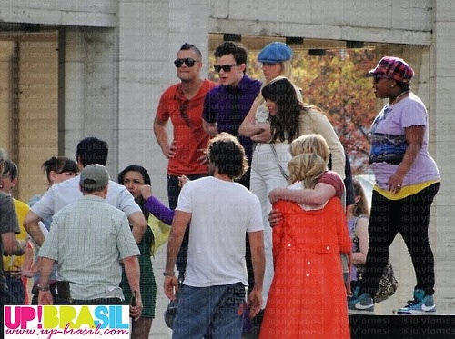 File:Chord and dianna hug-new york.jpg