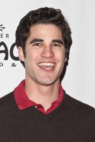 File:Darren-criss-avenue-q-03022011-04.jpg