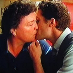 File:Will-de-Beiste kiss.png
