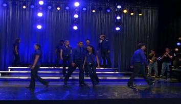File:Glee-cast-somebody-to-love.jpg