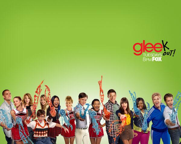 File:Glee Wallpaper 1280x1024 Keyart.jpg