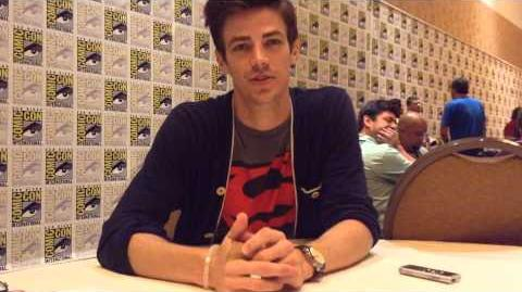 Grant Gustin @ SDCC THE FLASH Preview, Barry's Father Figures and More