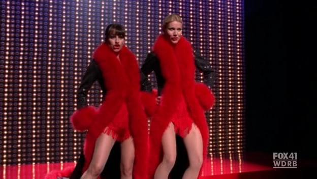 File:Glee 2x07 nowadays hot honey rag snapshot.png