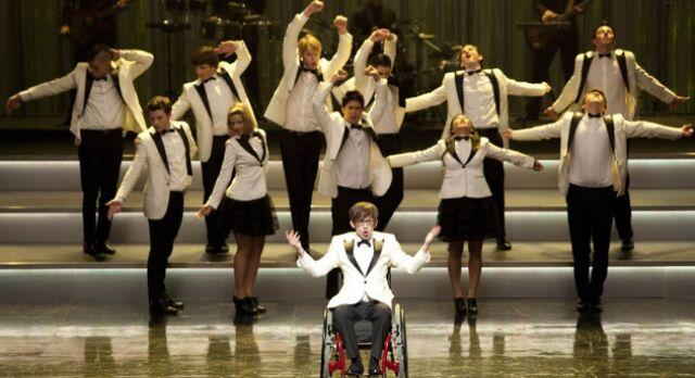 File:Glee cast 15.jpg