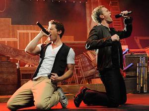 File:300px-Glee-Neil-Morrison 400.jpg