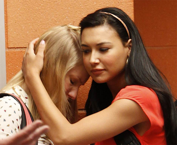 File:Brittana sad 2x19.png
