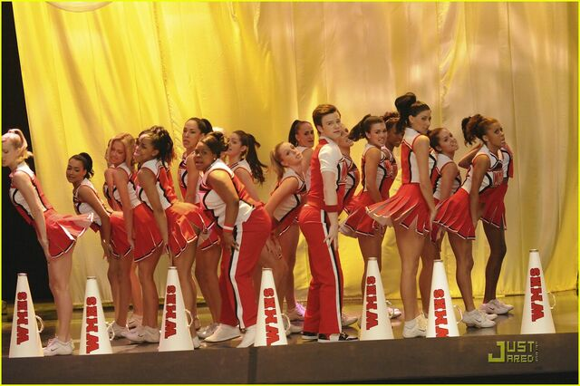 File:Glee-encore-dvd-05.jpg