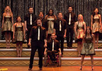 File:Glee ep. 22 s.2- Journey, Journey Medley.jpg