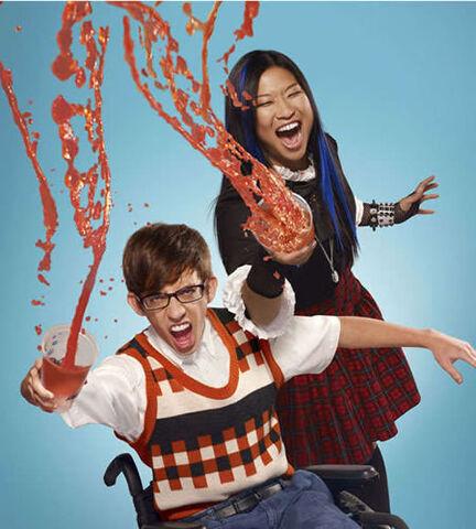 File:Glee-2-promo-artie-tina.jpg