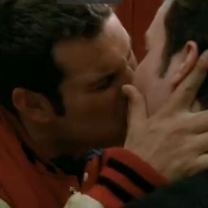 File:Kurtofsky kiss.jpg