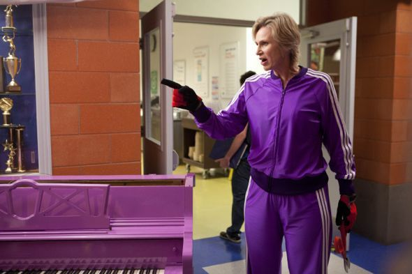 File:Glee Season 3 Episode 1 The Purple Piano Project 5-4190-590-700-80.jpg