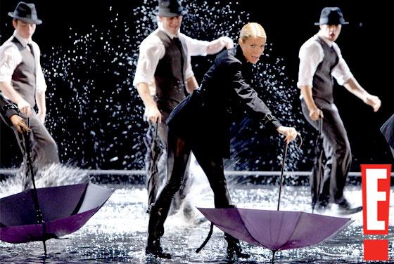 """File:Gwyneth in """"Umbrella"""".jpg"""
