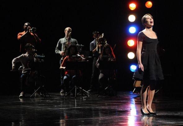 File:Glee Season 2 Episode 21 Funeral-685 595.jpg