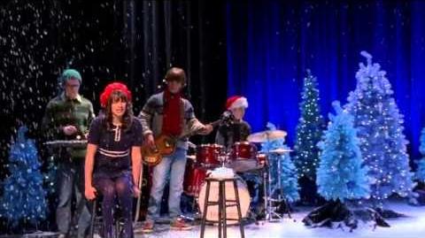 GLEE- Merry Christmas Darling (Full Performance)