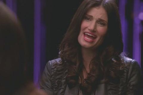 Datei:Glee18-rachel-and-shelby-sing-pokerface.jpg