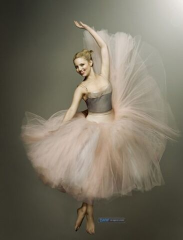 File:Quinn in ballet gear.jpg