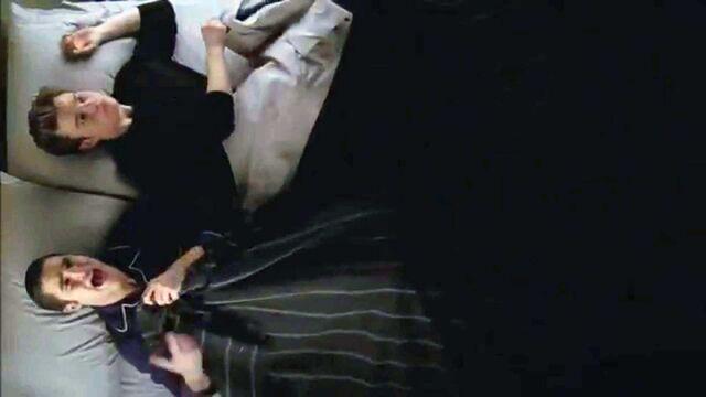 File:Klaine-in-bed-glee-break-up-images.jpg