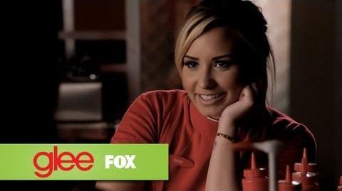 Here Comes Demi Lovato GLEE-1