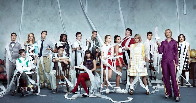 File:Glee wallpaper by wakagleek-d4ol5g1 toiletpaper.jpg