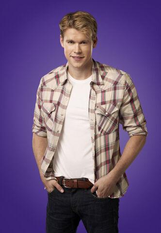 File:Glee 27-chord-overstreet-01 3830 v2kva.jpg