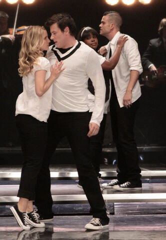 File:Glee-FOX-Takedown-11.jpg