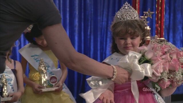 File:Toddler lauren - winning baby beauty pagent 2.jpg