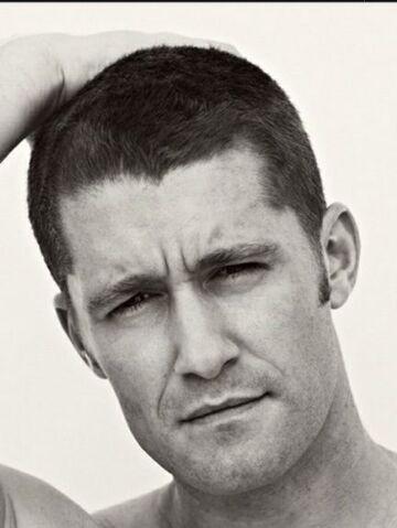 File:Matthew-Morrison-shaved-head.jpg