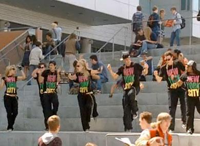 File:Glee1352354.jpg