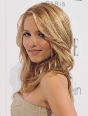 File:Una-bella-foto-di-dianna-agron-165412 medium.jpg