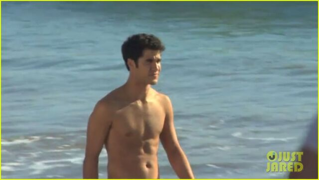 File:Darrenonthebeach8.jpg