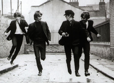 File:Beatles-running-away-after-stealing-money-from-you - copia.jpg