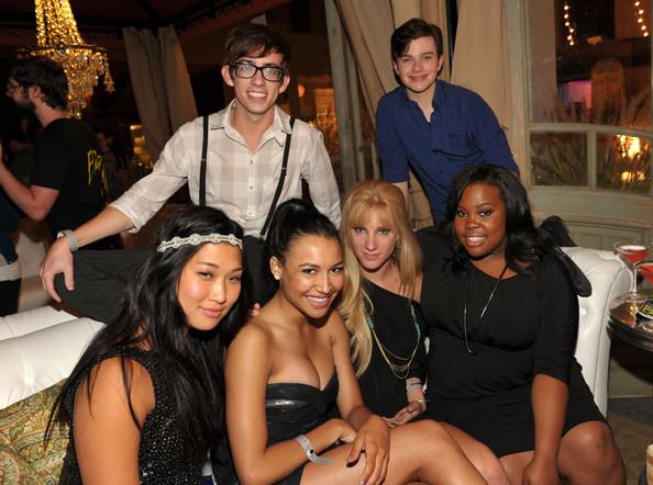 File:Naya+Rivera+Heather+Morris+EW+Syfy+Celebrate+q6bZNj5vj05l.jpg