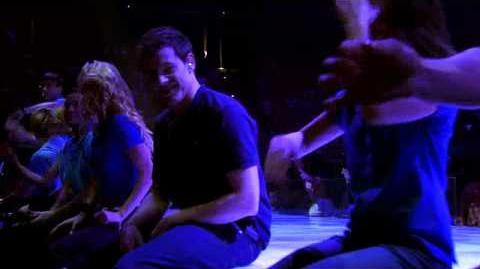 "Glee 3D Cut-out scene ""Dog days are over"" (720p)"