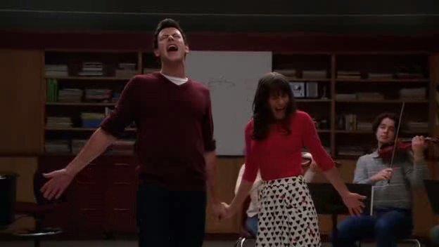 Datei:Glee 2x04 duets vose-6.jpg