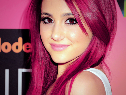 File:Ariana Pink Hair.jpg
