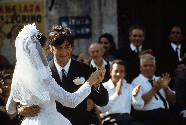 File:Mikepollonia dancing.jpg