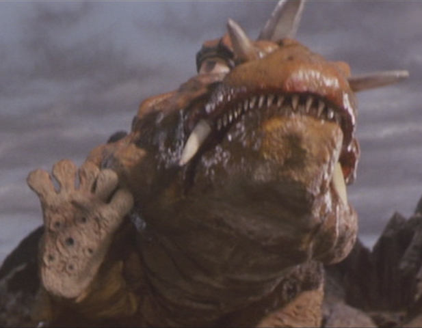 File:Gamera - 5 - vs Jiger - 11 - Jiger says hi to Gamera.png