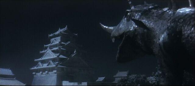 File:Barugon strikes a pose with Osaka Castle.jpg