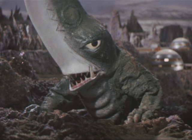 File:Gamera - 5 - vs Guiron - 6 - Guiron Appears.png