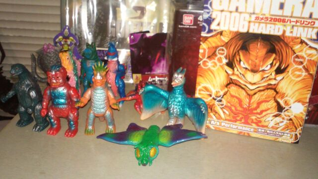 File:Titanollante Kaiju Collection Feb 2015 Number 7.jpg