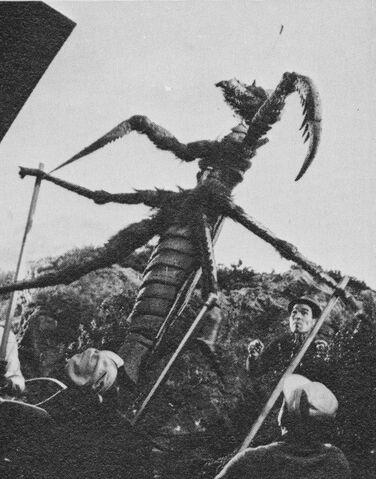 File:AMA - Preparing the Kamacurus Puppet.jpg