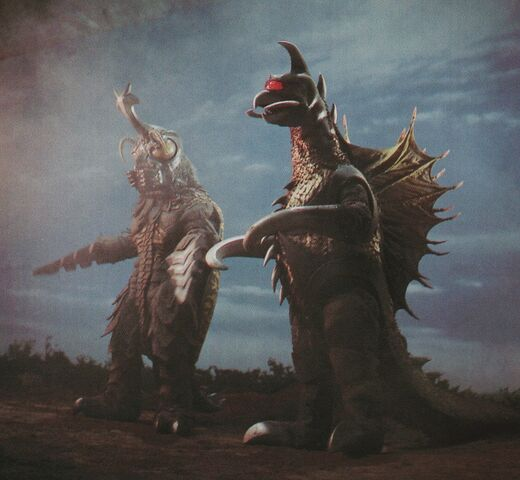 File:GVM - Gigan and Megalon Side by Side.jpg