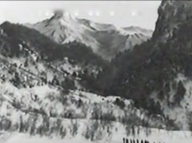 File:Travelling into the mountains 13.png