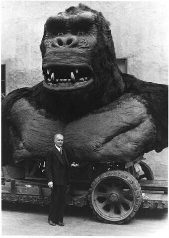 File:King Kong 1933 Bust 2.jpg