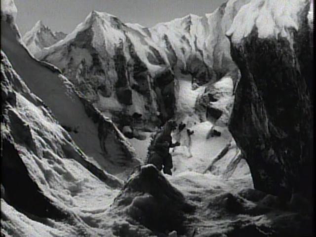 File:Godzilla Raids Again - 55.png
