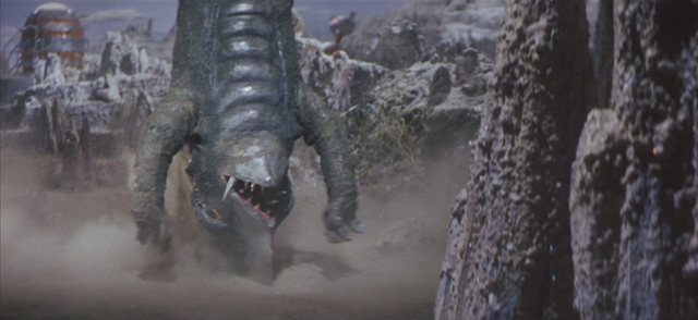 File:Gamera - 5 - vs Guiron - 42 - Ouch.png