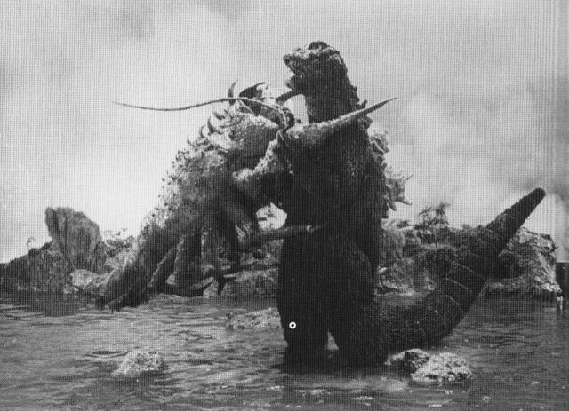 File:EHOTD - Godzilla and Ebirah Hug Battle.jpg