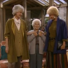 Sophia's daughters, Dorothy and Gloria in the Season 7 episode