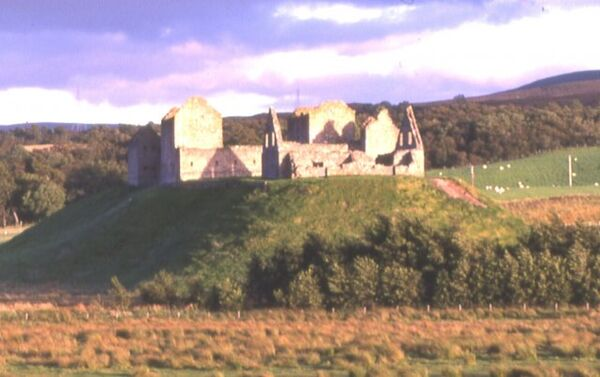 Ruthven Barracks-c
