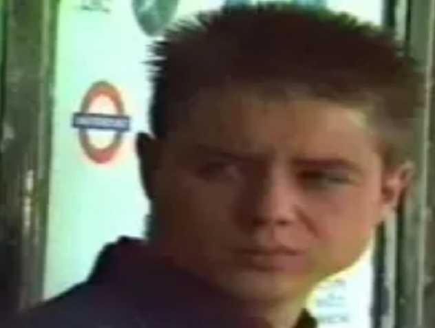 File:Robbie Wright (Series 13).png